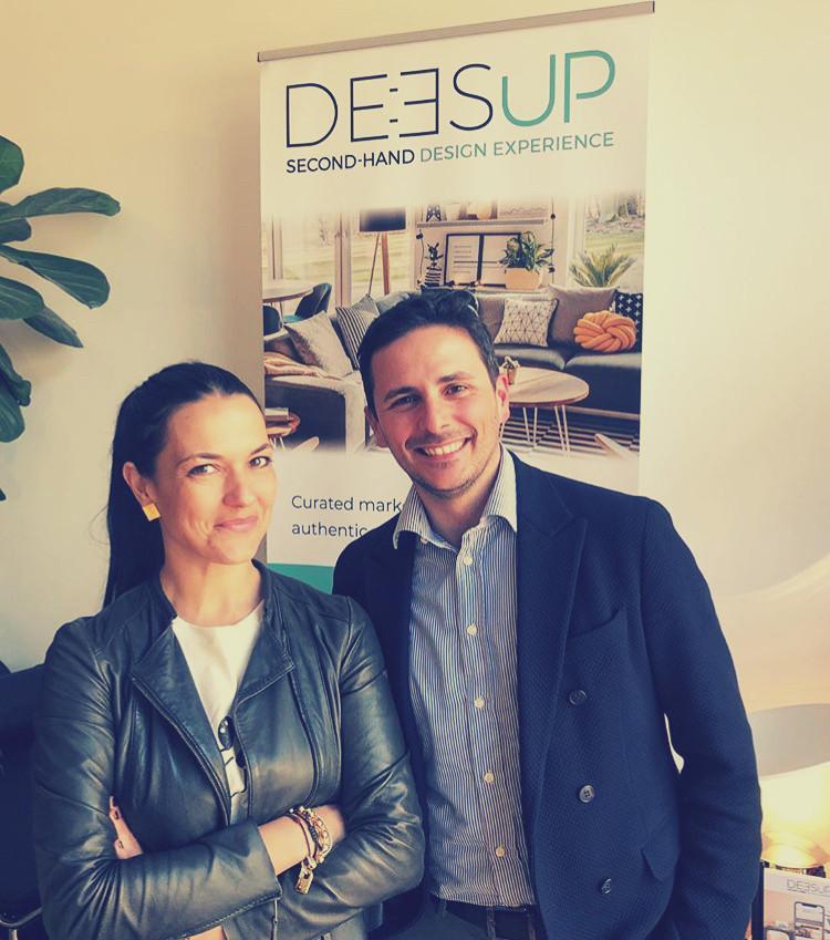 Foto dei fondatori di Deesup, piattaforma che vende pezzi di design di seconda mano